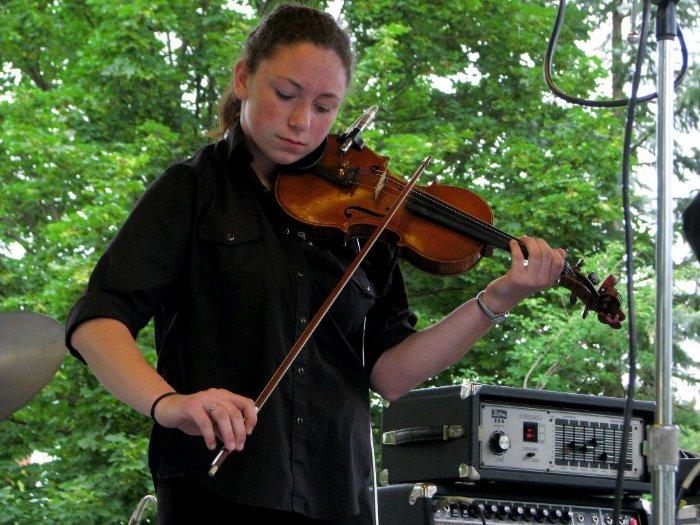 Ashley Giles on fiddle
