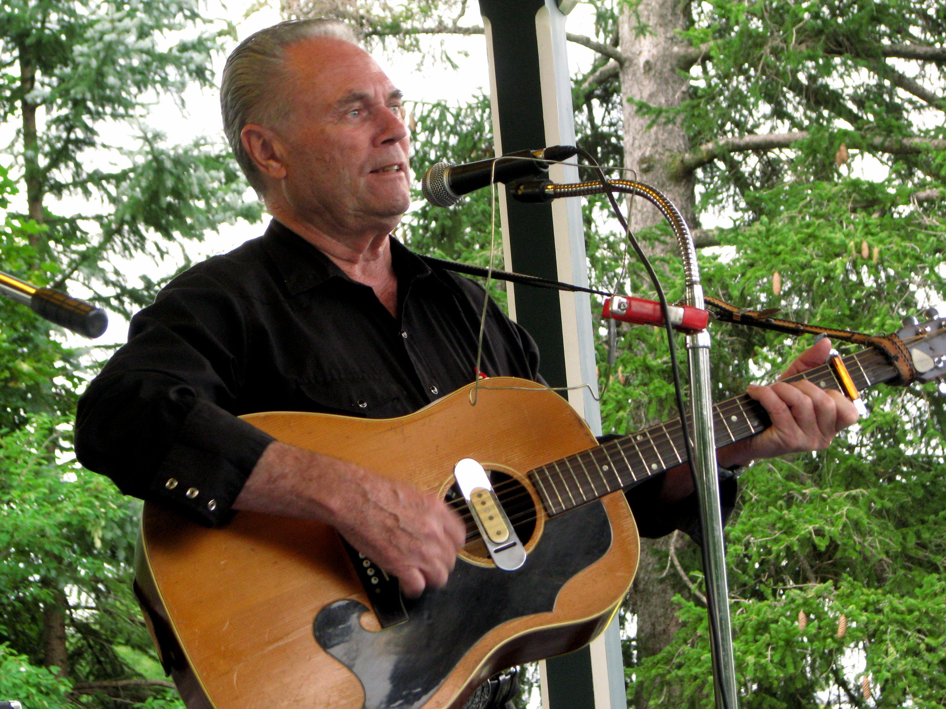 Gerald Davidson plaing guitar