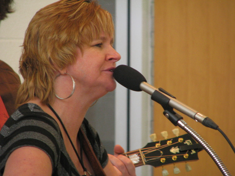 Linda Elder performing with the Two Plus Who valentine Show
